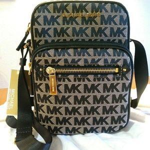 Michael Kors Bedford Zip Flight Bag NWT!!